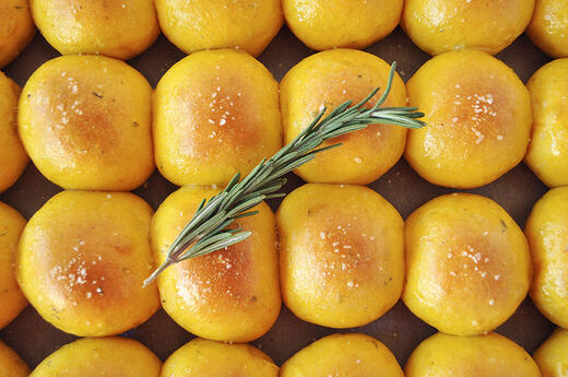 Pumpkin-Rosemary Dinner Rolls