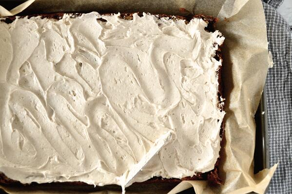 4 Gingerbread Bars with Cinnamon-Vanilla Frosting