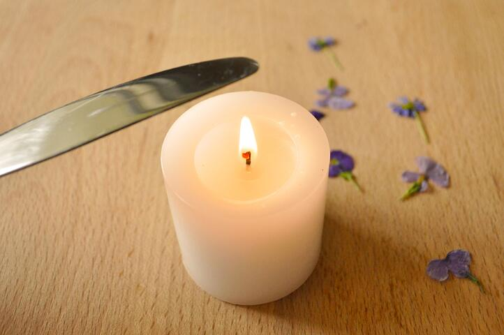 6 Pressed Flower Candle