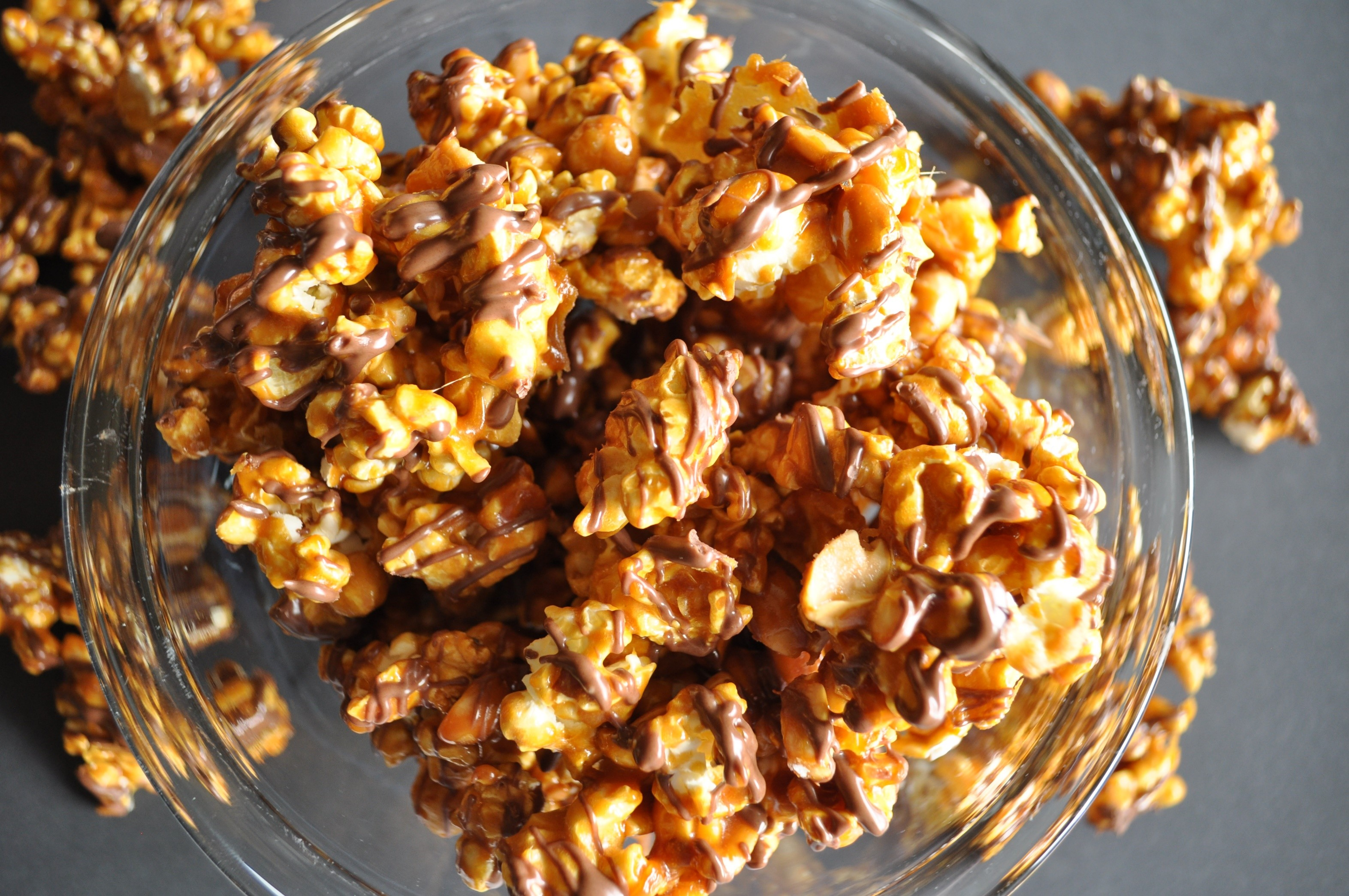 Chocolate-Drizzled Caramel Corn